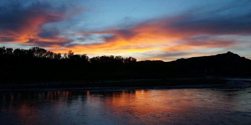sunset, theodore roosevelt national park, blue, orange, badlands