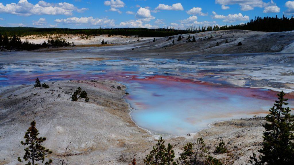 porcelain geyser basin