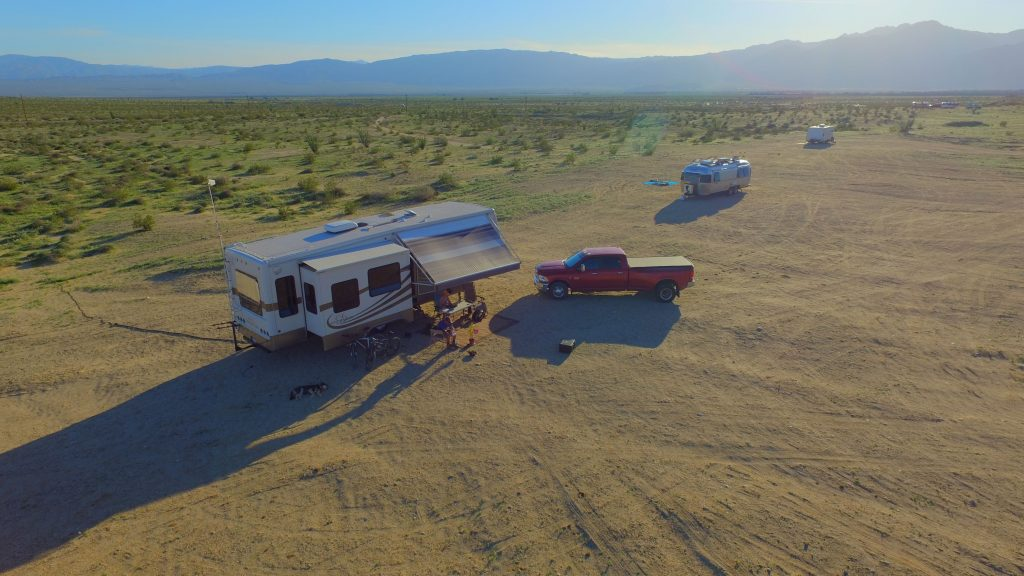 dispersed camping near other rvs