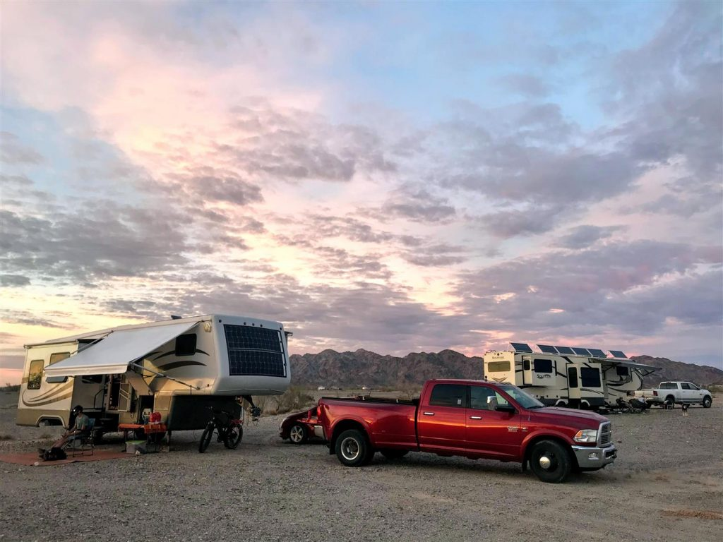 park RV to optimize solar panels when boondocking