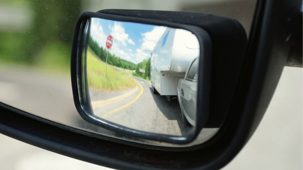Towing an RV in mirror