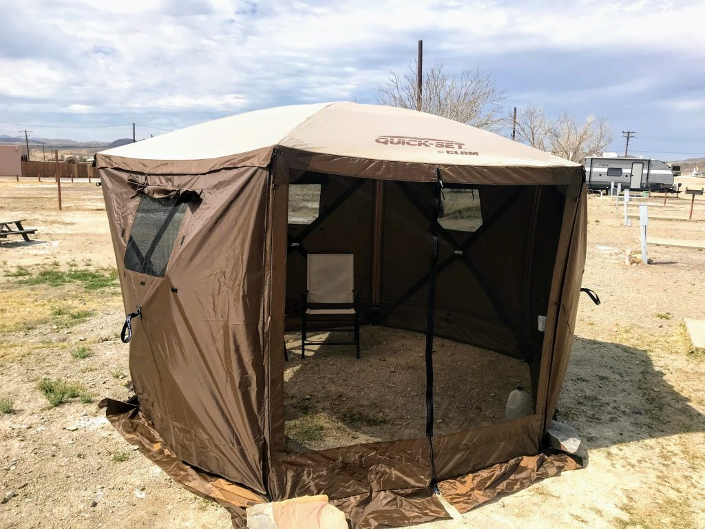 Quick-set clam tent for camping