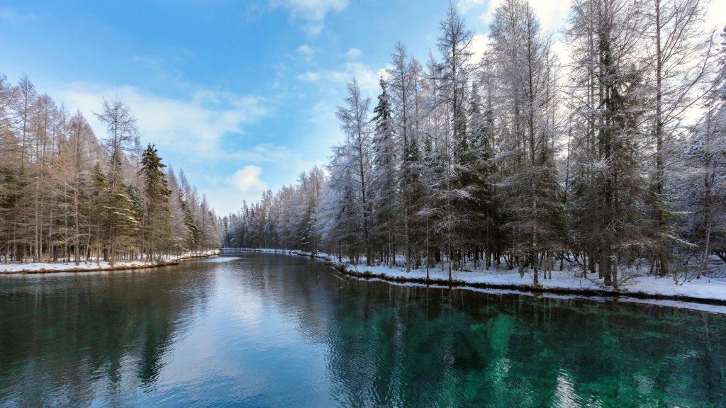 kitch-iti-kipi springs in winter