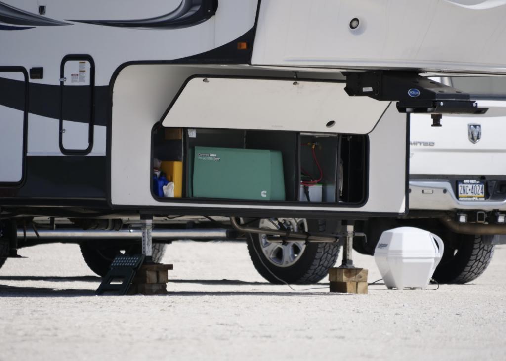 Built-In Onan RV Generator 5500 watt size