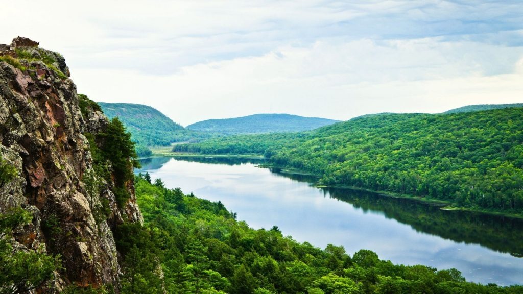 porcupine mountains state park in the upper peninsula of michigan