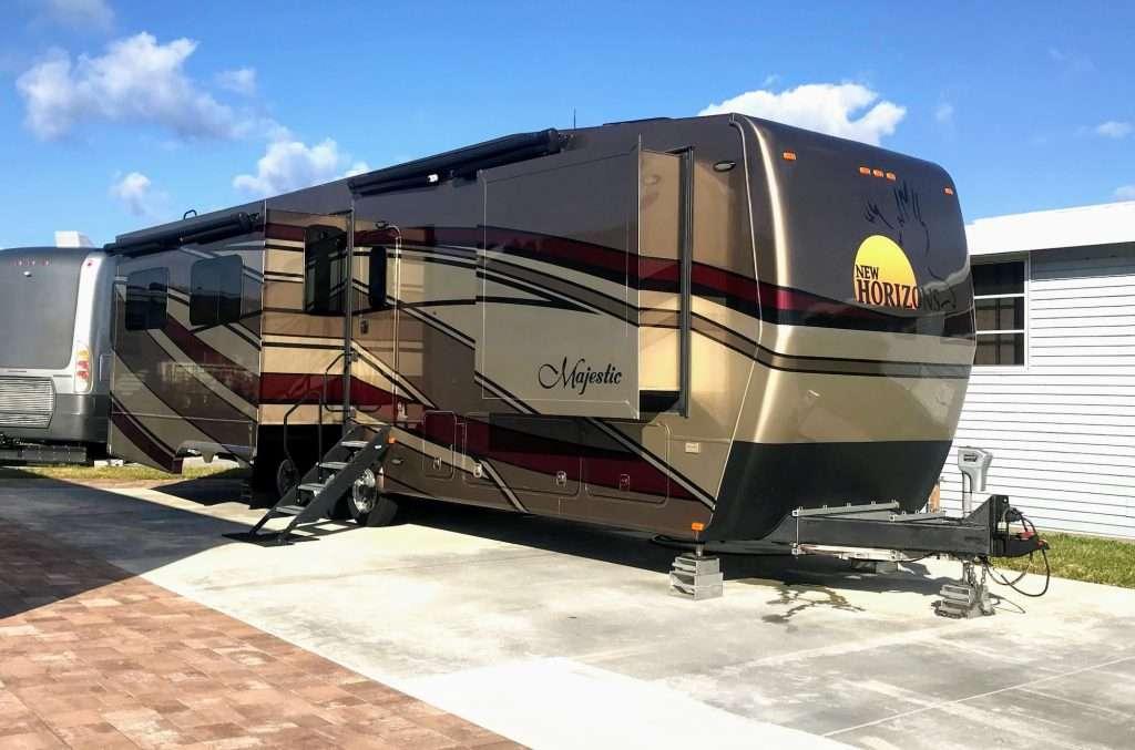 New Horizons RV Majestic custom travel trailer