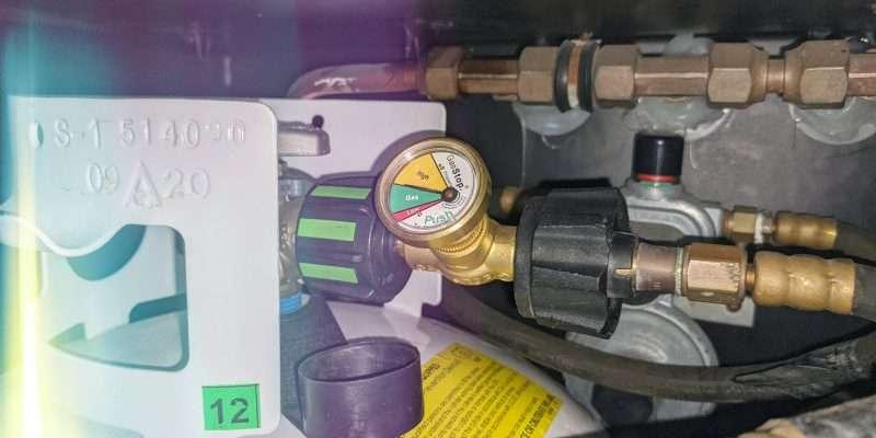 RV Propane Regulator with Gas Stop device