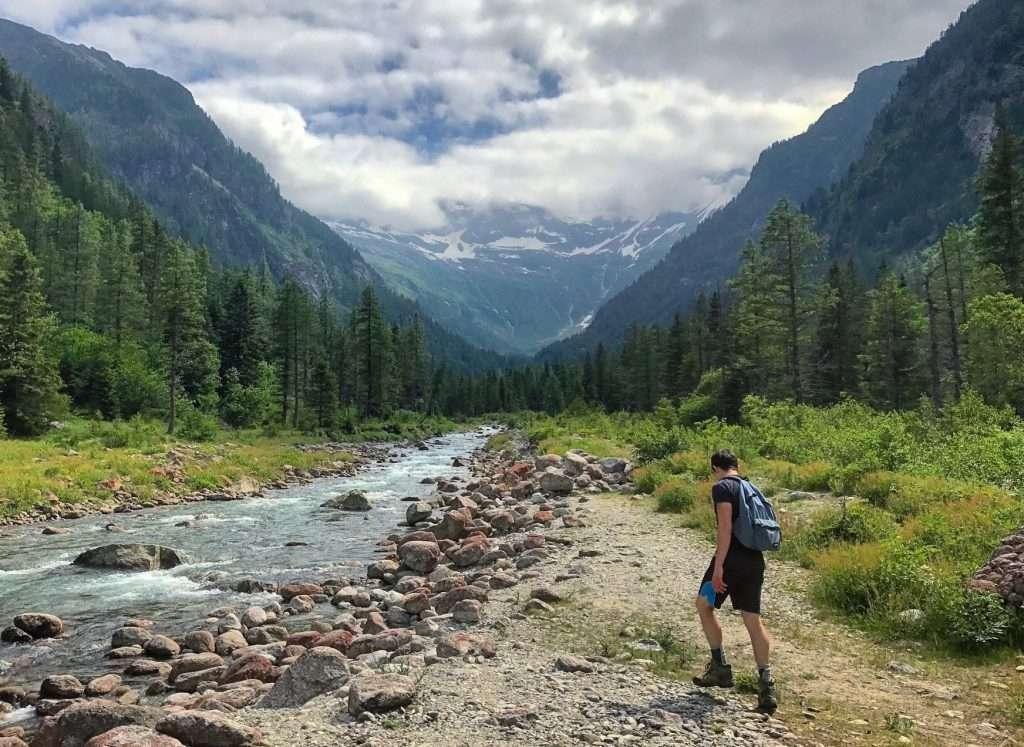RVing in Coldfoot Alaska Coldfoot-Chandalar Lake Trail hiking in Alaska