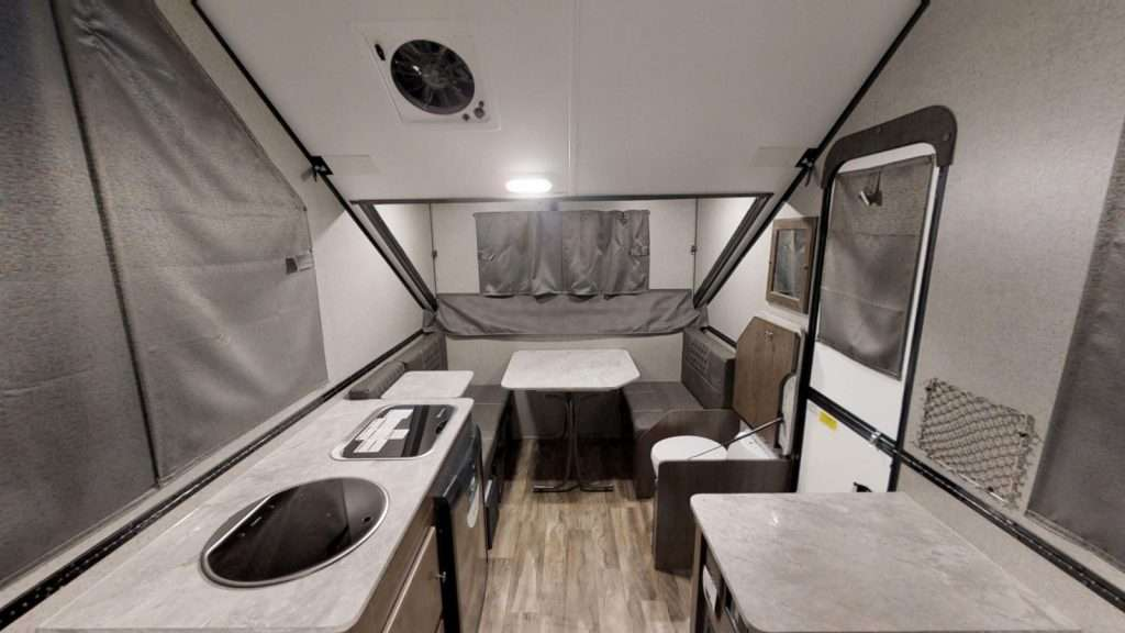 Forest River Flagstaff T21TBHW Interior