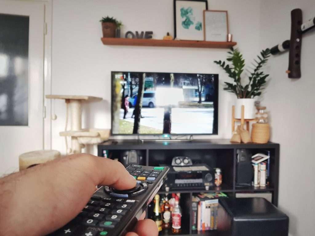 12V TV watch TV in RV