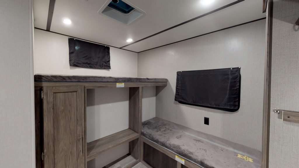 Picture of crossroads zinger bunkhouse travel trailer.