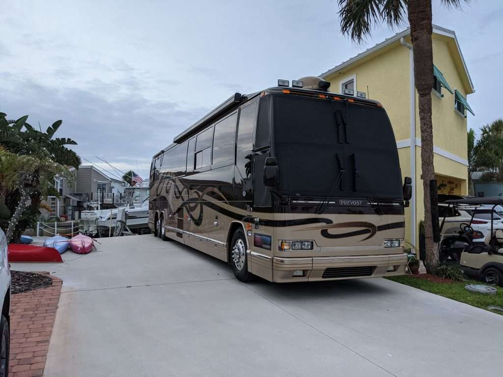 Windshield Cover on Prevost Motorhome