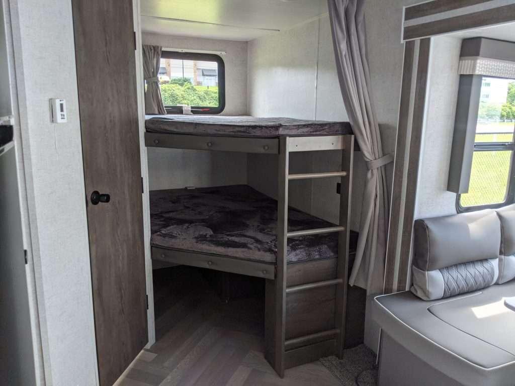 fifth wheel bunkhouse