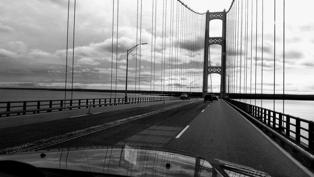 rving across the mackinac bridge