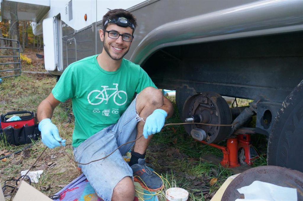 replacing the rv trailer brakes